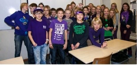 Paarse vrijdag op een school in Lisse
